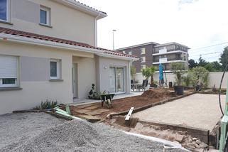 Maison étage sur petit terrain