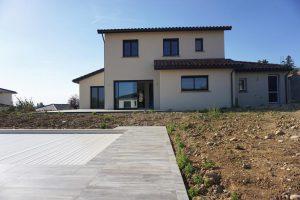Maison avec piscine, construction dans le nord-est Lyonnais Rhône - Maîtrise d'oeuvre