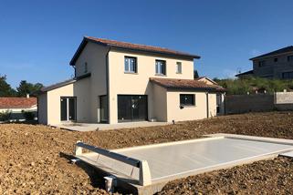 Maison avec piscine |Construction dans le nord-est de Lyon