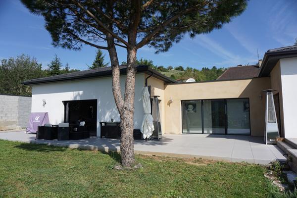 Maison Neuve Isère avec Piscine