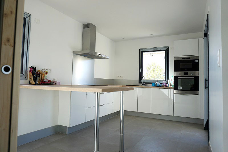 Création d'une maison individuelle contemporaine, fondation et aménagement, travail de maître d'oeuvre dans le Rhône