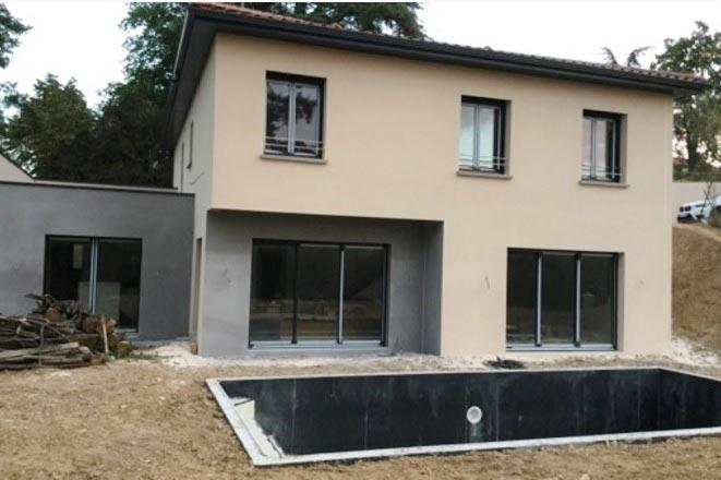 Maîtrise d'oeuvre sur Lyon, construction de maison sur terrain en pente